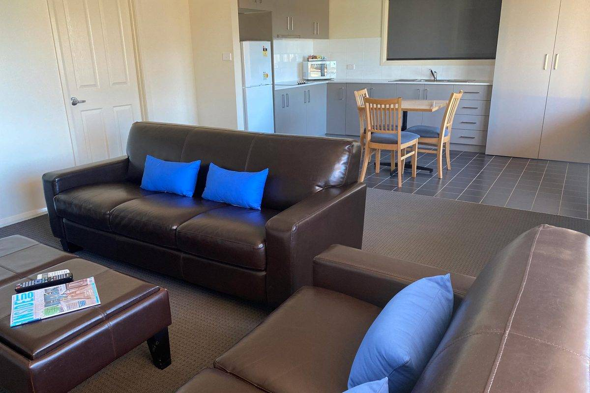 hay-new-south-wales-accommodation-king-1