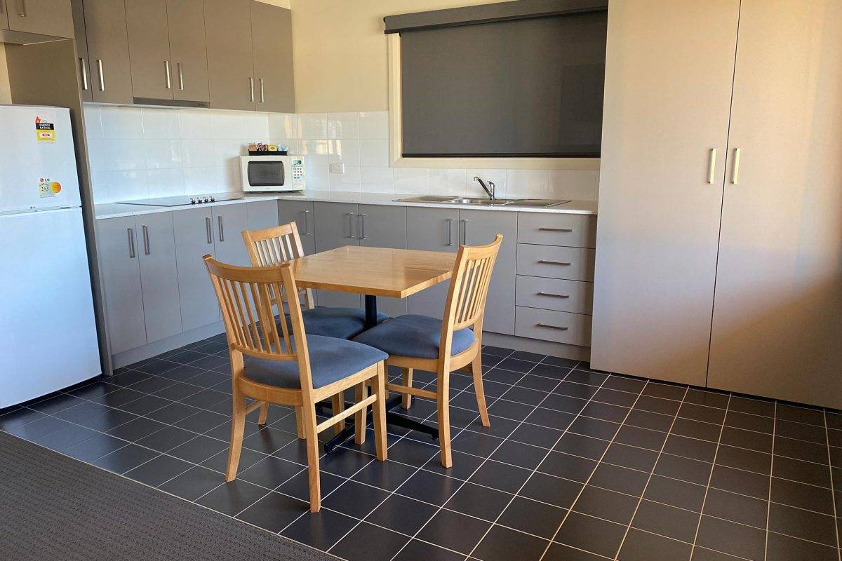 hay-new-south-wales-accommodation-king-2